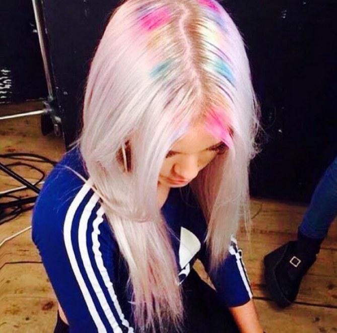 Regenbogen-Haare