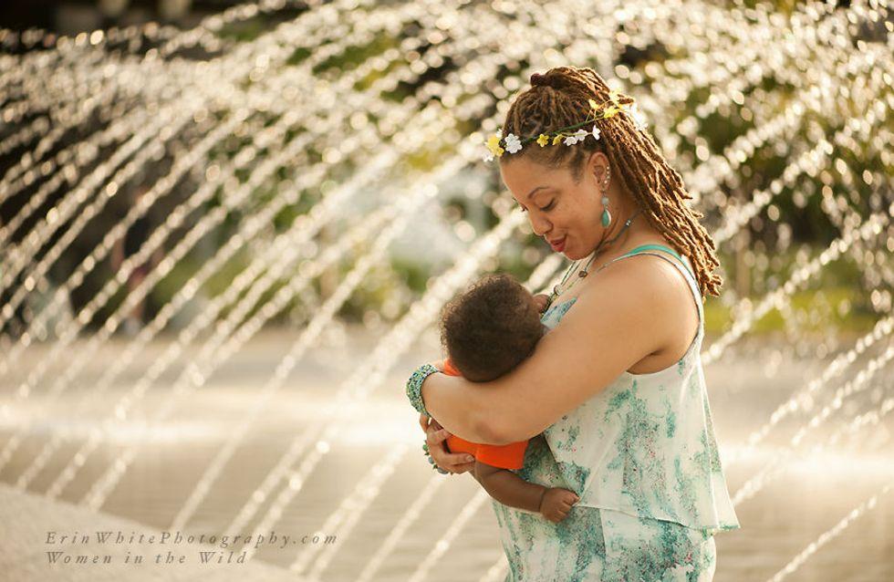 20 foto dimostrano che una donna non deve vergognarsi di allattare in pubblico