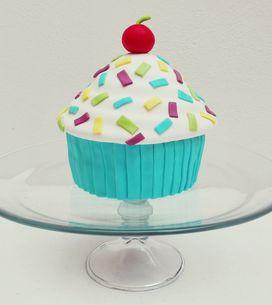 Descubre cómo preparar esta tarta con forma de cupcake gigante