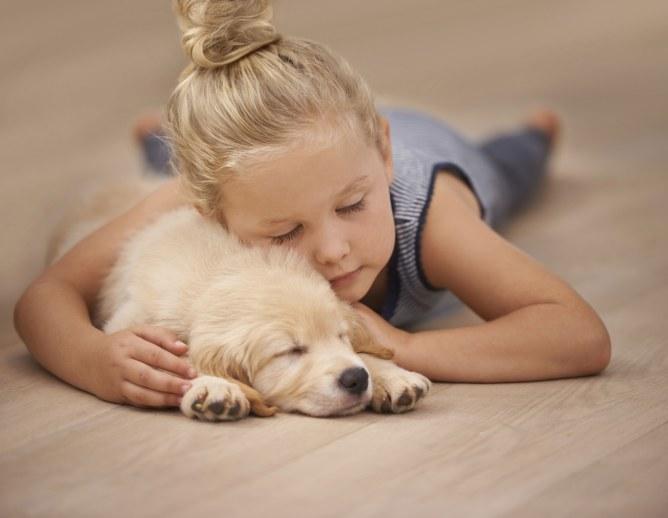 Les chiens réduisent le stress chez l'enfant