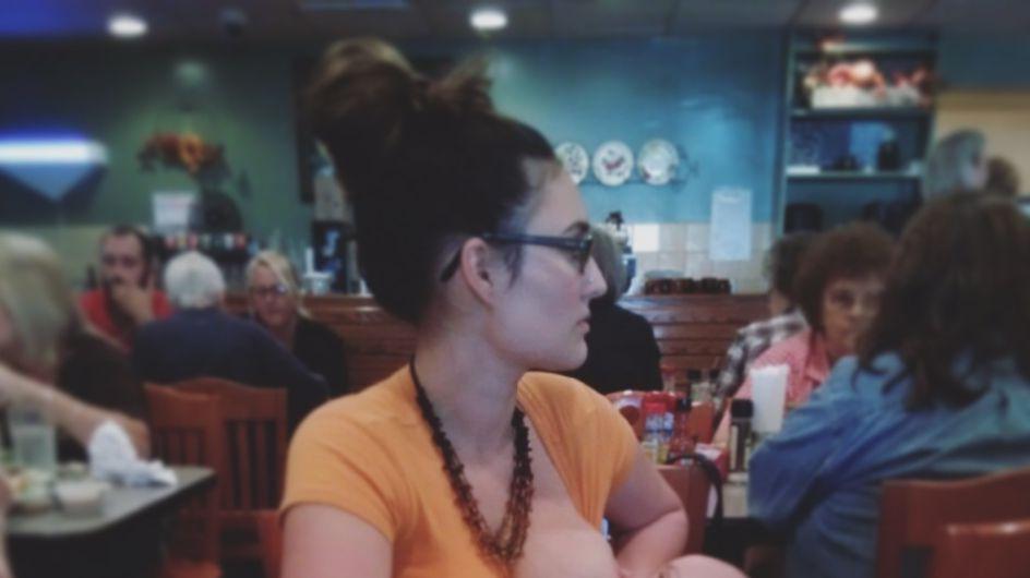 Une maman allaite sur Facebook pour lutter contre les jugements extérieurs (Photos)
