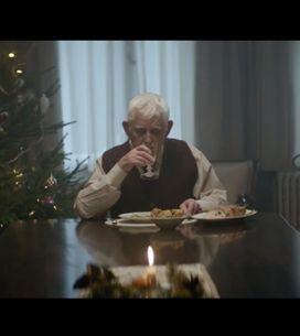 Nonno muore per finta per trascorrere il Natale con i figli: lo spot che ha comm
