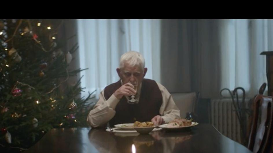 Nonno muore per finta per trascorrere il Natale con i figli: lo spot che ha commosso il web