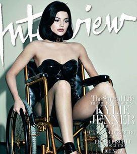 Kylie Jenner fait scandale en chaise roulante (Photos)