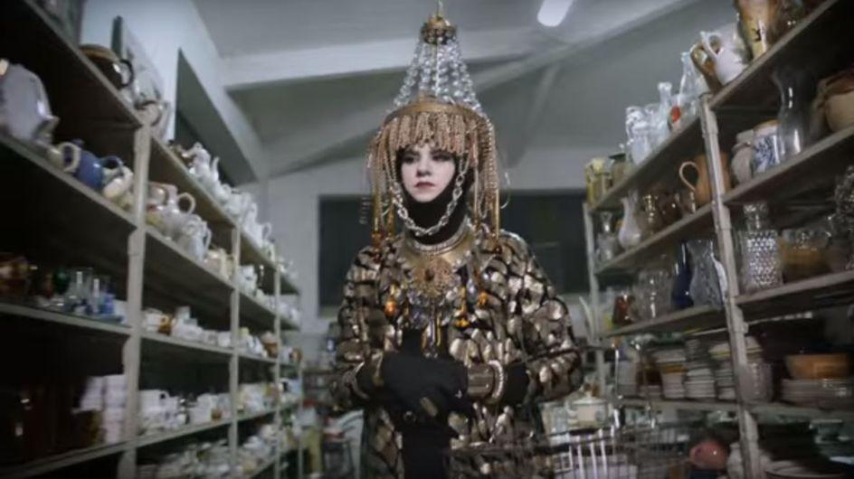 Emmaüs remixe une pub H&M pour sa campagne sur le développement durable (Vidéo)