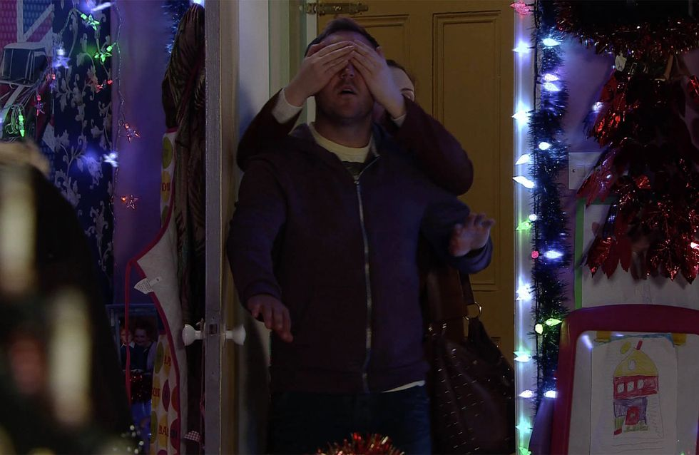 Coronation Street 18/12 - Rob reels Tracy in