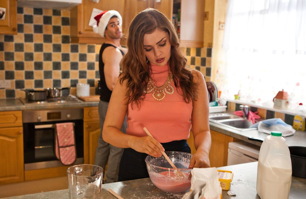 Hollyoaks 17/12 - Lindsey sees Joe, Mercedes and JJ in the village looking like a happy family