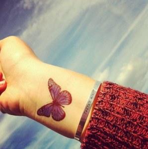 Ce papillon coloré