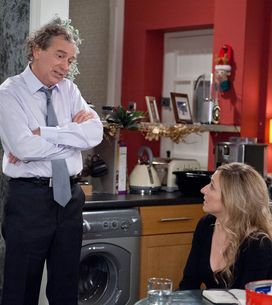 Emmerdale 21/12 - Laurel's shocked at Ashley's confession