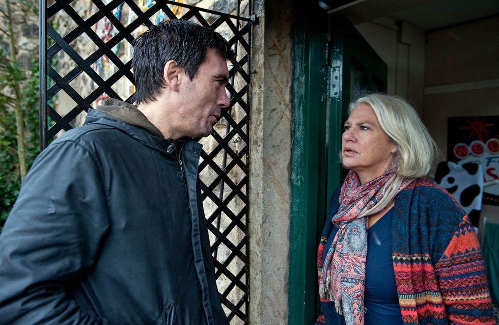 Emmerdale 28/12 - Drama at the Dingles