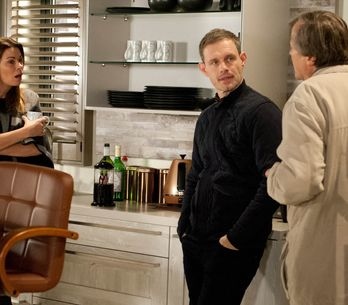 Coronation Street 30/12 - Tyrone resorts to desperate measures