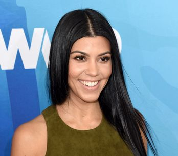 Kourtney Kardashian montre sa lune sur Instagram (Photo)