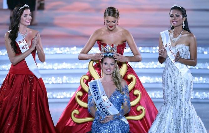 Miss Espagne, Mireia Lalaguna Royo, couronnée