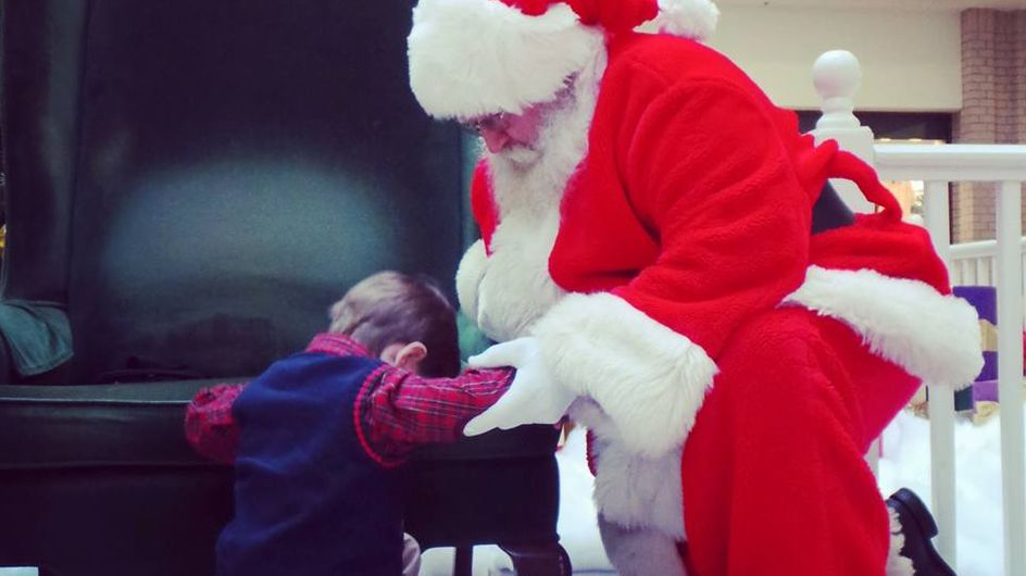 """""""Per favore Babbo Natale, prega per lui"""": la foto che ha commosso il web"""