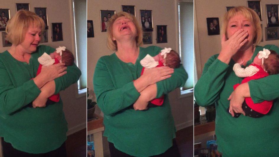 Ihr werdet nicht glauben, welches Weihnachtsgeschenk diese Mutter SO ausflippen lässt