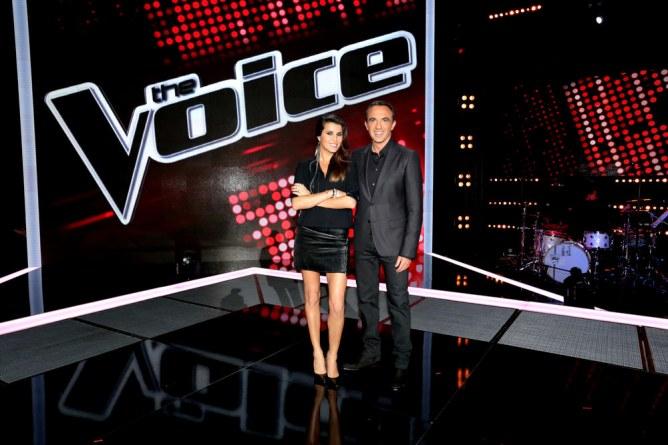 Karine Ferri et Nikos Aliagas sur le plateau de The Voice 4