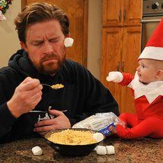 Um bebê vestido de elfo do Papai Noel é a coisa mais fofa que você verá neste Natal