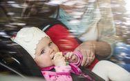 Sécurité routière: comment bien attacher son enfant en voiture?