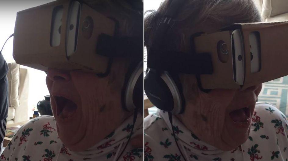 Diese Omi fährt zum ersten Mal virtuell Achterbahn - und flippt dabei völlig aus!