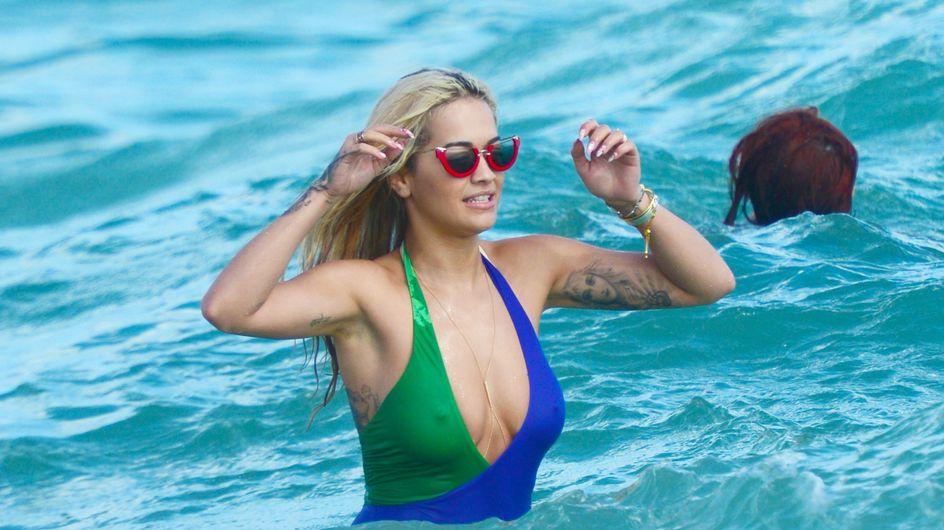 Rita Ora sube las temperaturas invernales con el peor look de la semana