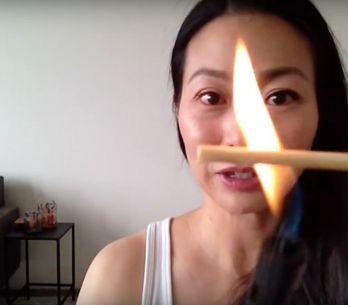 'Vídeo' Rizarse las pestañas con fuego, el último truco de belleza loco de inter