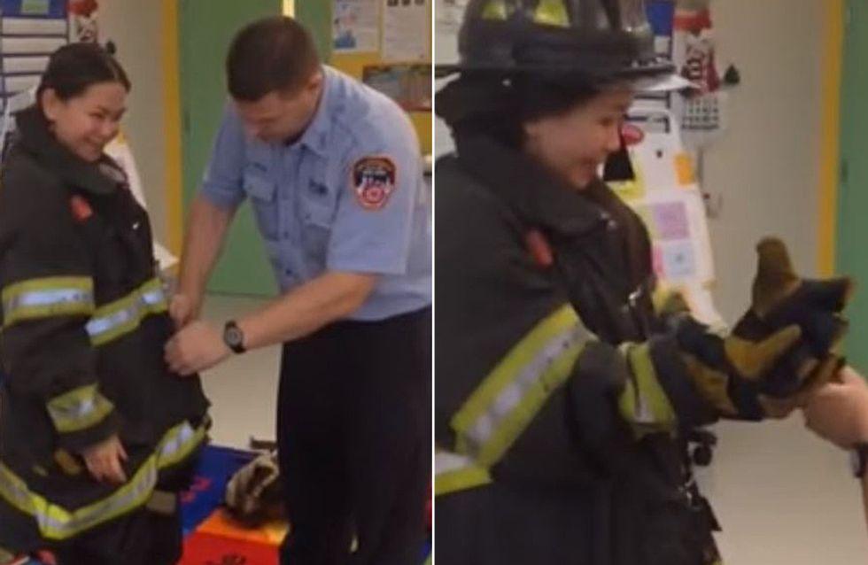 Wie dieser Feuerwehrmann um die Hand seiner Freundin anhält, wird eure Herzen schmelzen lassen