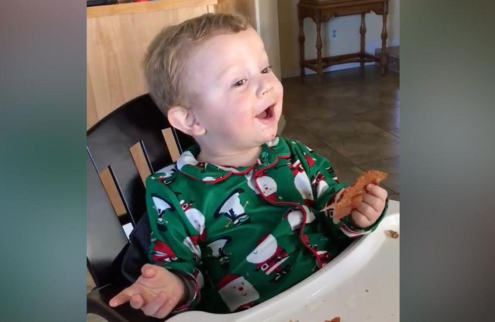 Das müsst ihr gesehen haben: Dieser kleine Junge probiert zum ersten Mal Speck