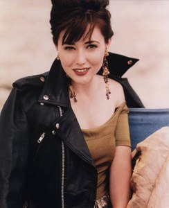 Brenda Walsh dans Beverly Hills