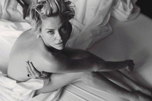 Charlize Theron pour W