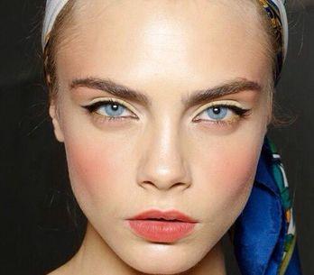 Come scegliere la giusta tonalità di blush: i consigli per sfoggiare un incarnat