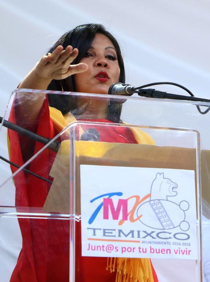 Gisela Mota prêtant serment