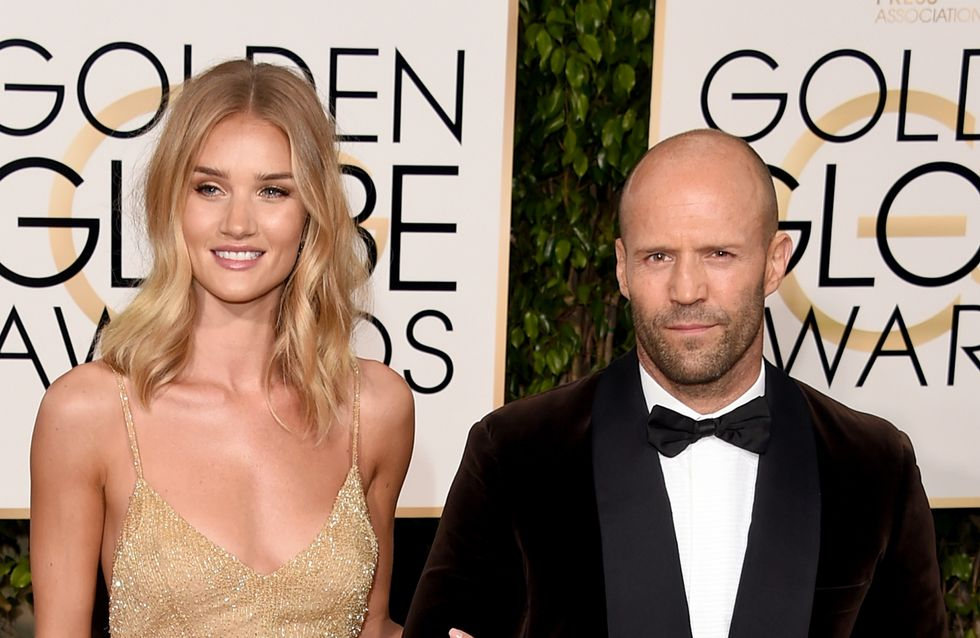 Fiancée, Rosie Huntington-Whiteley dévoile sa bague aux Golden Globes (Photos)