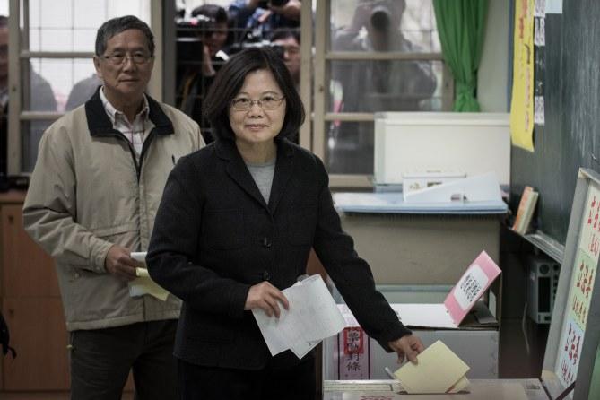 Tsai Ing-wen au bureau de vote