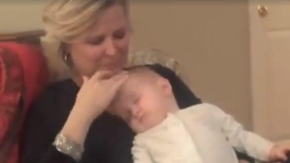 Genialer Trick: So einfach bringt ihr JEDES Baby innerhalb von einer Minute zum Einschlafen