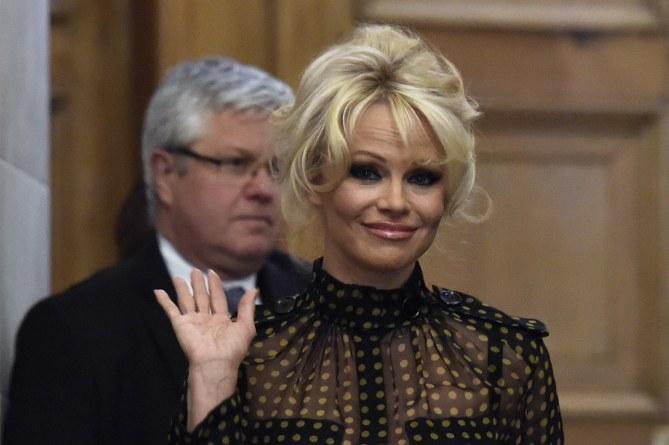 Pamela Anderson à l'Assemblée nationale