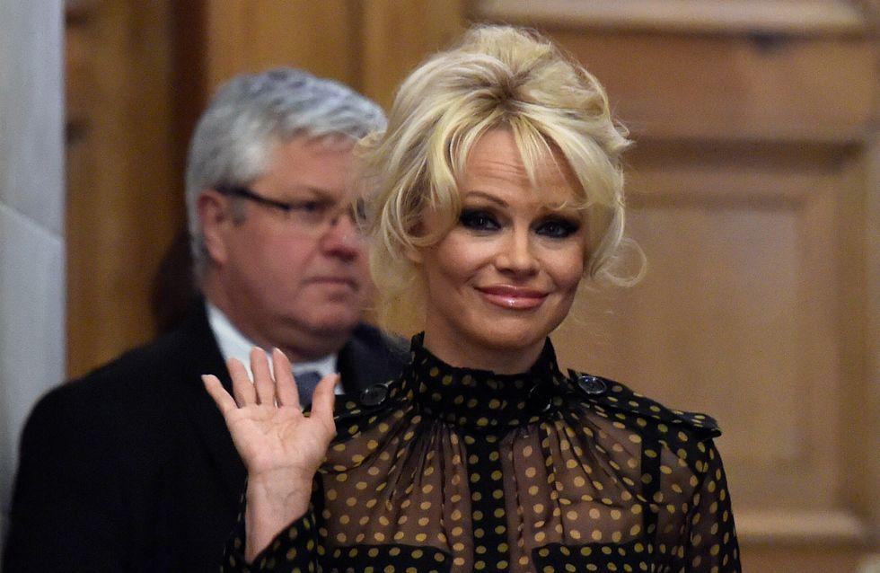 Pamela Anderson agite l'Assemblée nationale contre le gavage des oies (Photos)