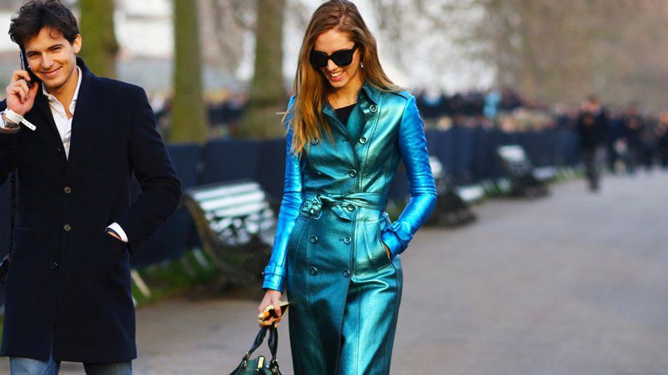 ¿Se pueden lucir prendas metalizadas en un look de oficina?