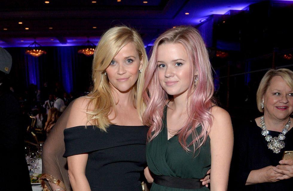 La fille de Reese Witherspoon, une vraie petite femme pour son bal de promo (Photo)