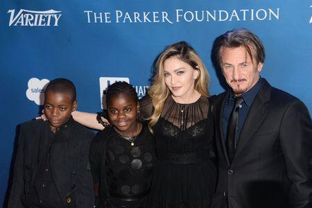 Madonna, Sean Penn, David et Mercy