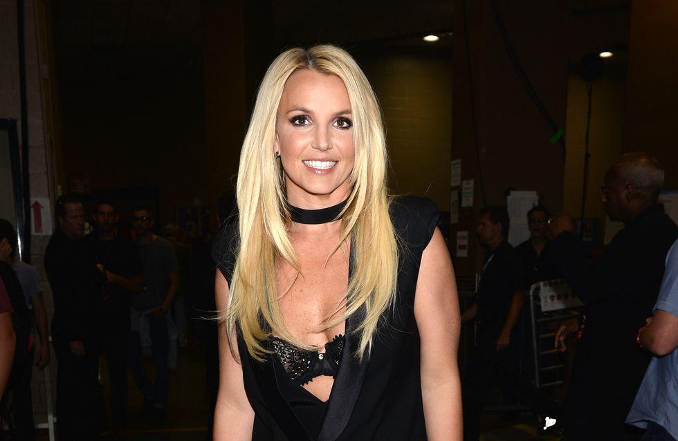 Britney Spears enflamme le web avec une danse en bikini (Vidéos)