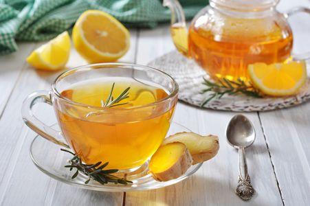 Té amarillo con limón