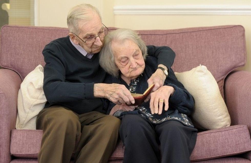 Perde la memoria e il marito, ogni giorno, le legge la loro storia