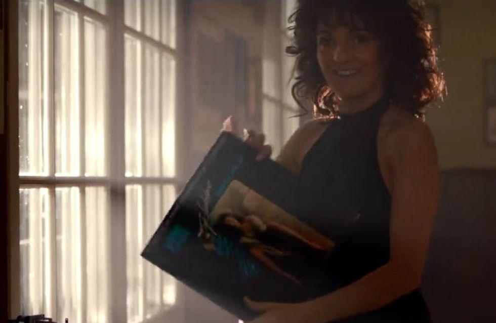 Florence Foresti parodie Flashdance dans une vidéo hilarante