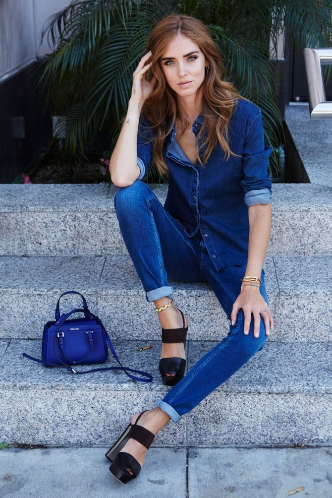 Chiara Ferragni in total look di jeans