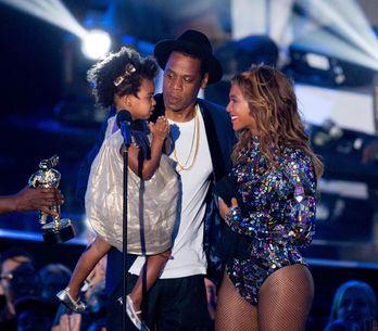 Beyoncé dévoile le clip Formation avec sa fille, Blue Ivy ! (VIDÉO)