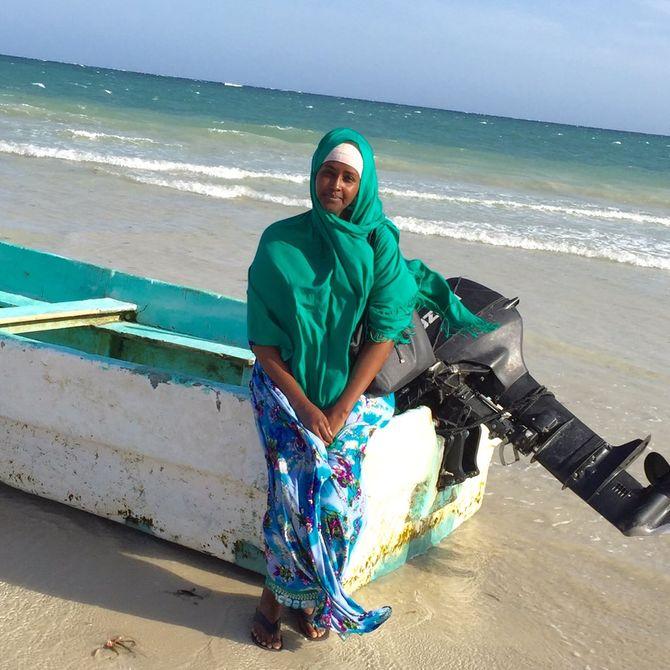 Fadumo Dayib sur la plage du Lido, Somalie