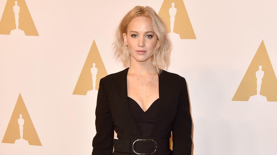 "Jennifer Lawrence, sa leçon de style ""smoking sexy"" sur le tapis rouge"