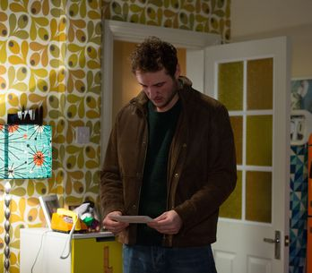 Eastenders 22/2 - ​Martin attempts to leave the hospital with Stacey