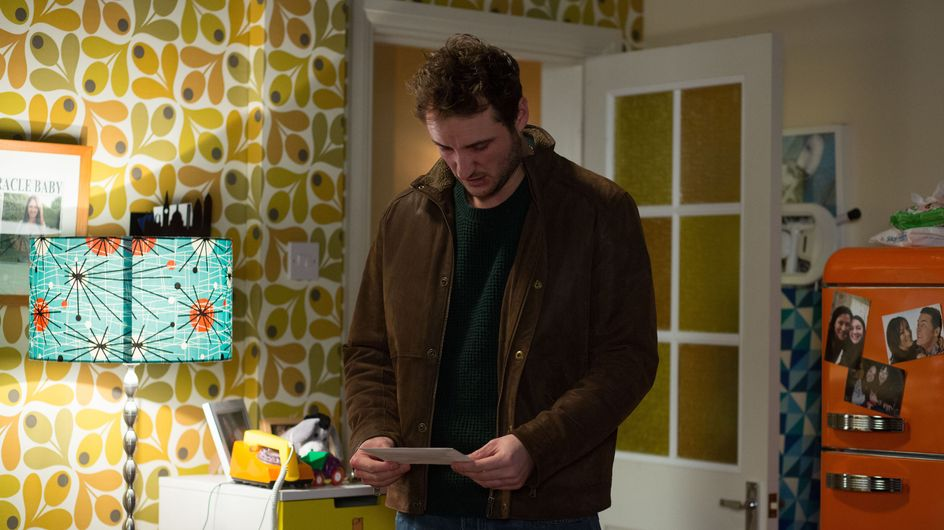 Eastenders 22/2 - Martin attempts to leave the hospital with Stacey