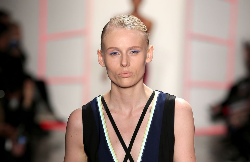 Lauren Wasser, amputée à cause d'un choc toxique, défile à la Fashion Week de New York (Photos)